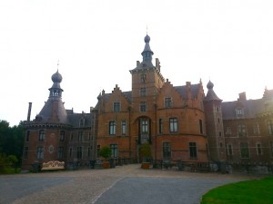 "Castle of Ooidonk & ""home"" to Sir Thibaut of Sint-Martens in HOLY THE SWORD"